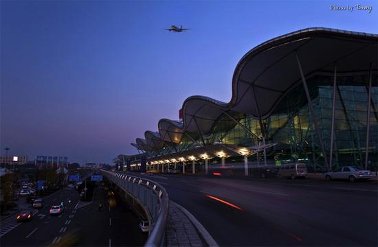 繁忙的重庆江北国际机场